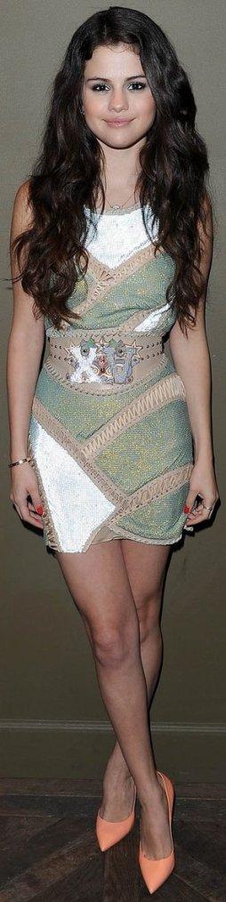 Robe: Selena Gomez O5