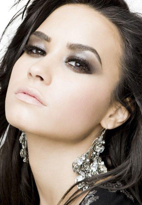 Maquillage: Demi Lovato O1