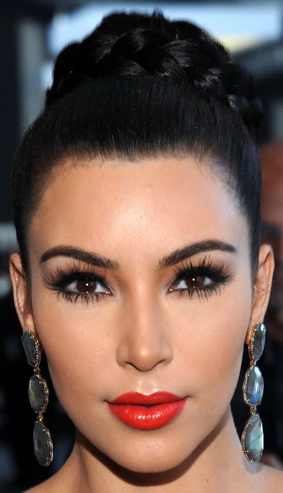 Maquillage: Kim Kardashian O2