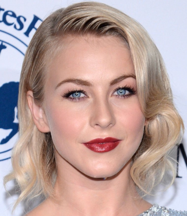 Maquillage: Julianne Hough O1