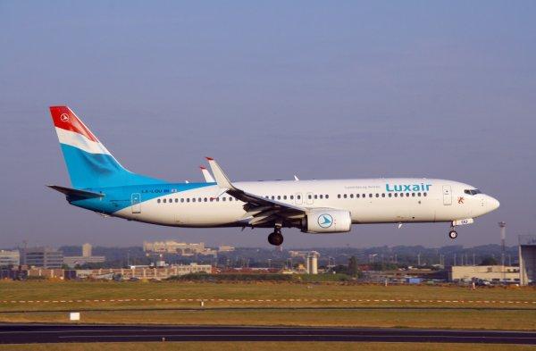 LUXAIR  BOEING 737-800  LX-LGU