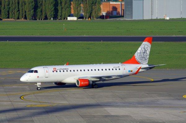 AIR LITUANICA  ERJ-170-200LR  LY-LTF