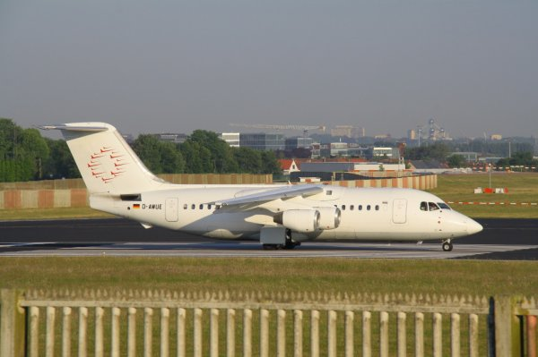 WDL AVIATION  BAe146-200  D-AWUE