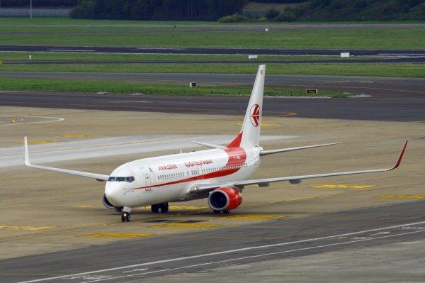 AIR ALGERIE  BOEING 737-800  7T-VKB