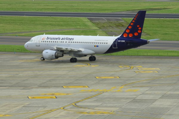 BRUSSELS AIRLINES  AIRBUS A319-100  OO-SSN