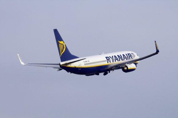 RYANAIR  BOEING 737-800  EI-DWW
