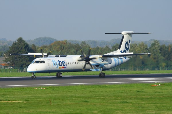 FLYBE  DASH8Q-400  G-ECOM