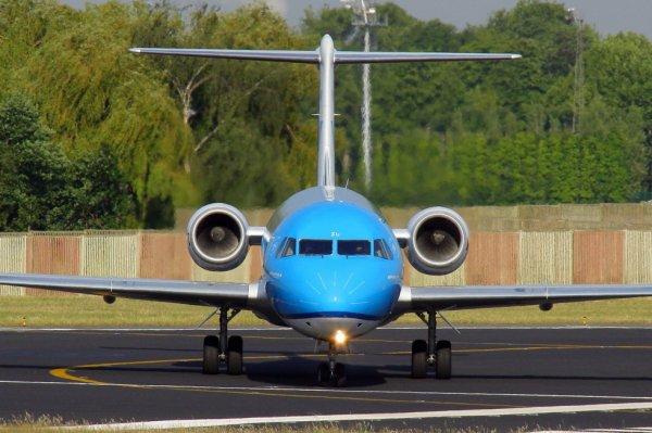 KLM-CITYHOPPER  FOKKER 70  PH-KZU
