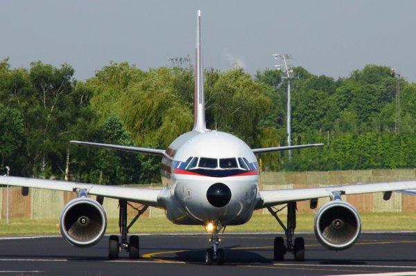 AIR MALTA  AIRBUS A320-200  9H-AEI