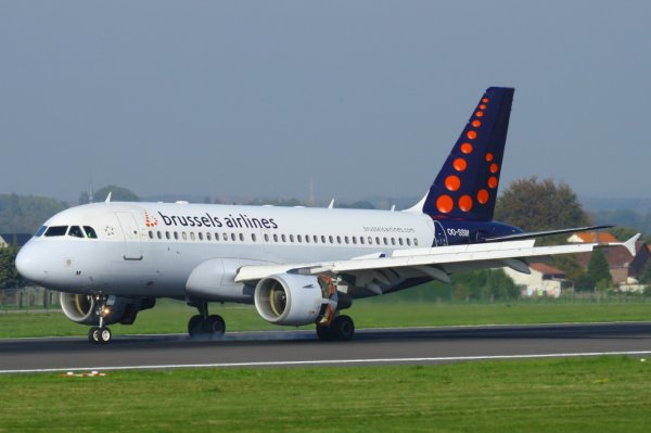 BRUSSELS AIRLINES  AIRBUS A319-100  OO-SSM