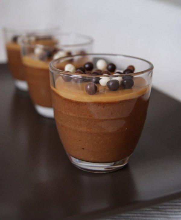 """"""" Mousse au Chocolat & au Café ( Préparé la veille ! ! ) """""""