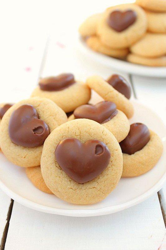 """"""" Cookies au Beurre de Cacahuète & C½ur Chocolat ( Recette Spécial Saint-Valentin ) """""""