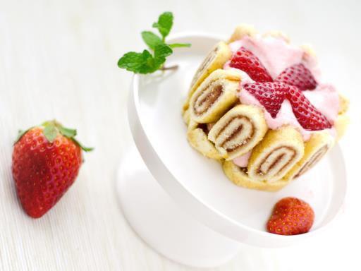 """"""" Mini charlottes royales aux fraises """""""
