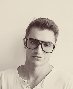 Dave Franco par Terry Richardson & Trois nouvelles photos de Dave postè par James Franco.