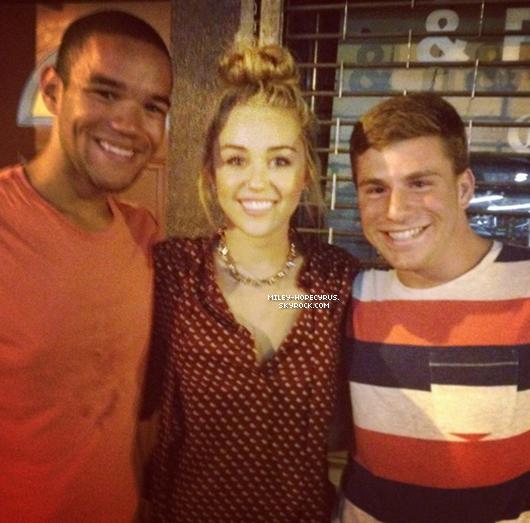 Miley Cyrus avec des fan à Philadelphie