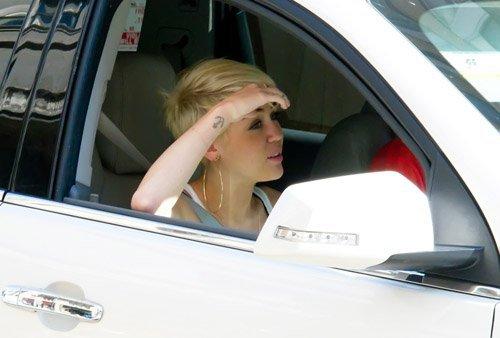20 Août 2012: Miley à philadelphie avec un ami