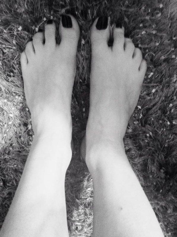 Voici les pieds de rêve de la magnifique Fanny !!! Des pieds divins =)