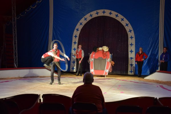 cirque franco italien a cany barville
