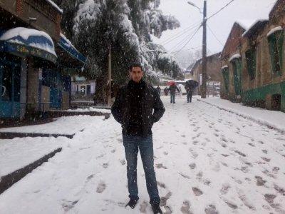 comme il est beau mon quartié,surtt avec cette tenu de neige lol