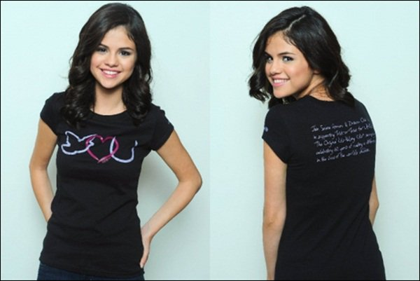 . SELENA GOMEZ   .   Un photoshoot pour UNICEF.   . Une photo du magazine Teen vogue du mois d'octobre. .