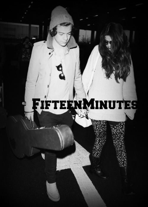 Fifteen Minutes by Mallory et Lauryn