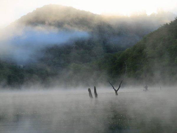 Paysage de pêche (Cantal, juillet 2013)