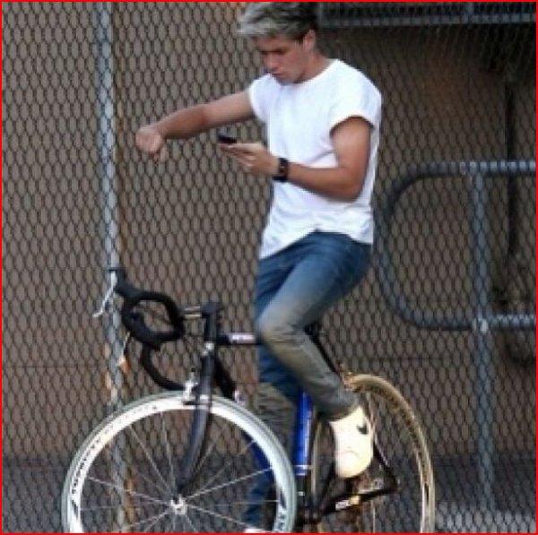 Moi si je fais ca sur mon vélo je tombe comme une grosse merde