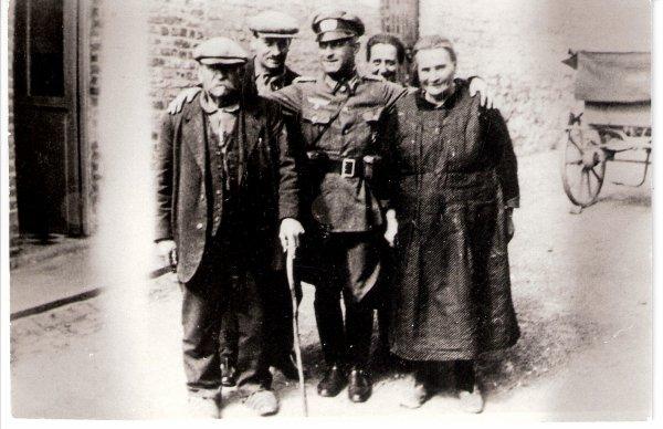Des soldats allemands à Audregnies.