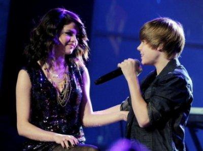 """Selena Gomez considère Justin Bieber """"comme son petit frère"""""""