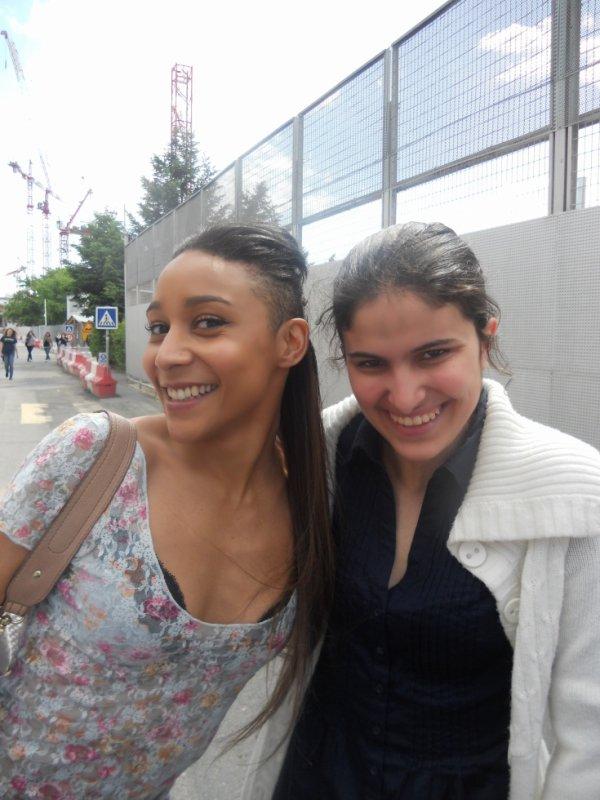 Mooouuaahhh et Gaelle Lallanne Zénith de Paris le 12.05.2012 <3