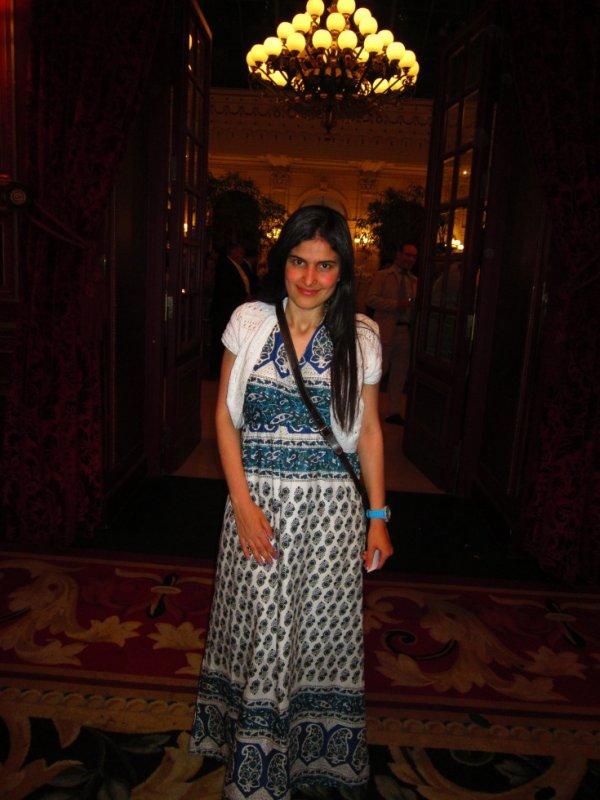 Moi lors d'un Mariage au Grand Hotel à Paris!! ;) 3<3<3