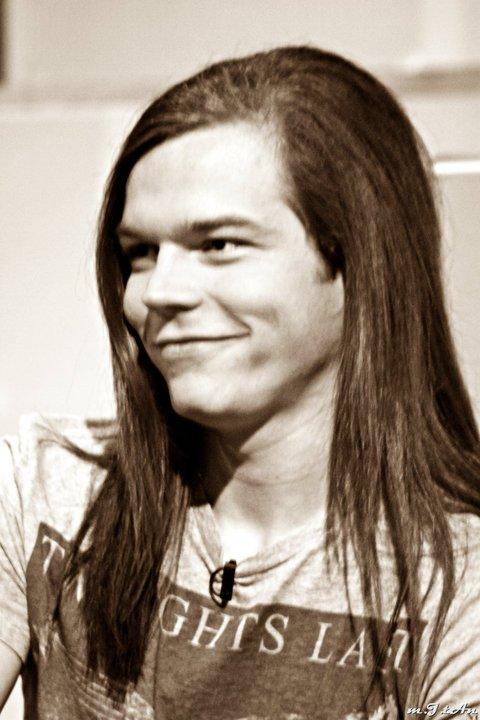 Puisque Georg est un Hobbit ><