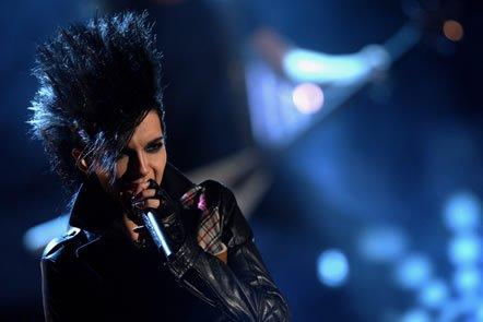 Tokio Hotel parraine une donation à l'école de faibles ressources au Chili