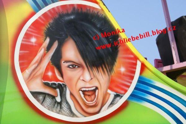 Le visage de Bill sur un manège en 2007