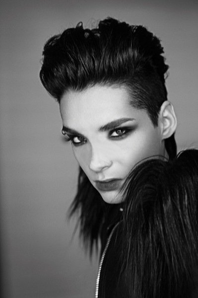 2010 - Vanity Fair (Italie) par Julian Hargreaves.