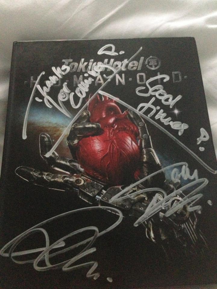Les autographes pour Lauren..  =)