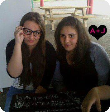 Ma Julie & moi avec les lunettes :P<3