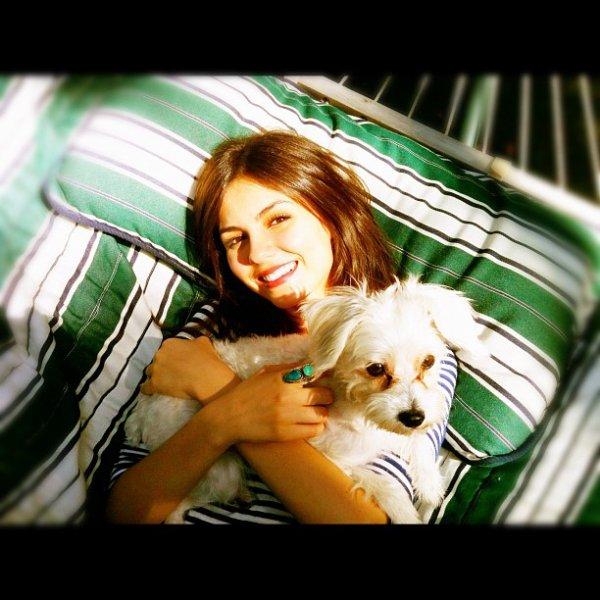 Victoria et son chien