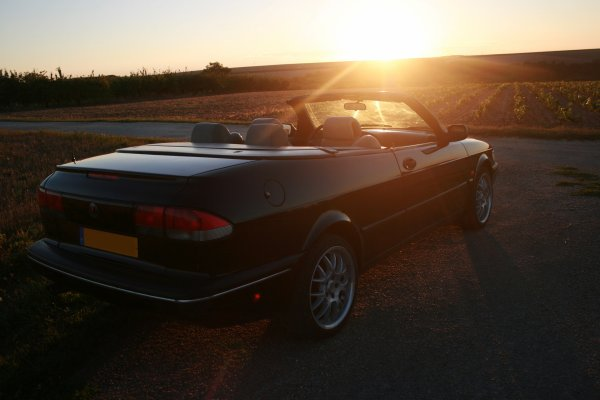cabriolet Saab 900 turbo, la vie au grand air