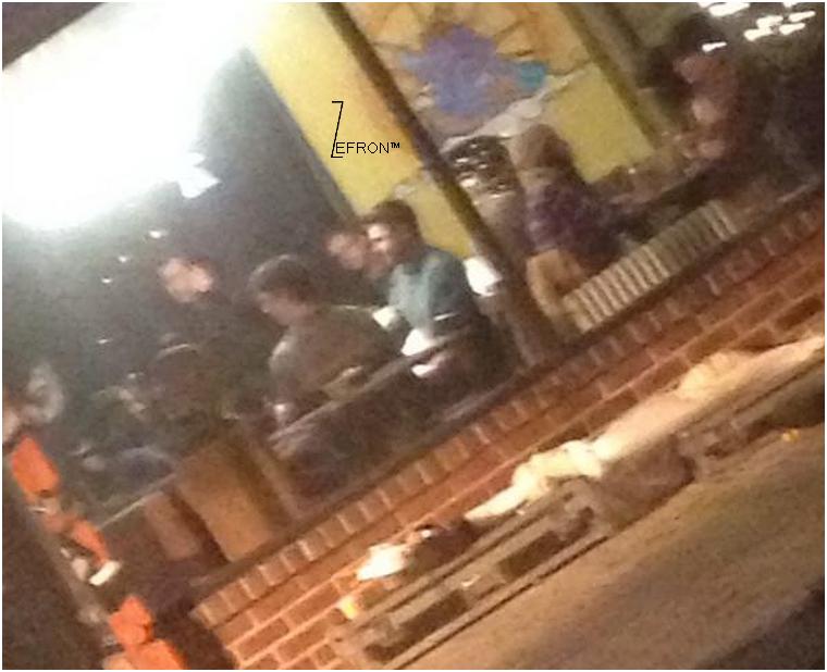 © ZEfron™  09.01.2013  -  Photo de Zac dans un restaurant de New York avec le cast et l'équipe d'Are We Officially Dating?.