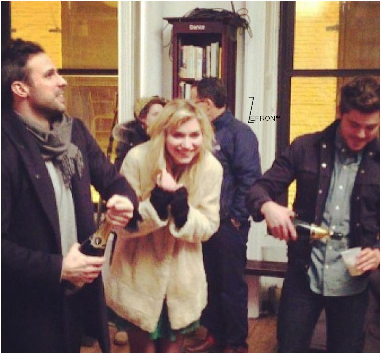 © ZEfron™  26.01.2013  -   Justin Nappi nous confirme que le tournage d'Are We Officially Dating? est bien terminé.