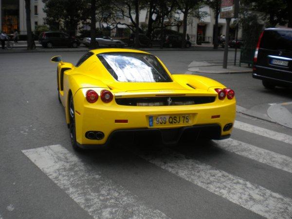 Ferrari Enzo Av Montaigne(75)