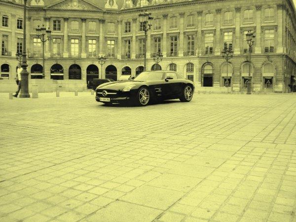 Mercedes SLS AMG Place Vendome (75)