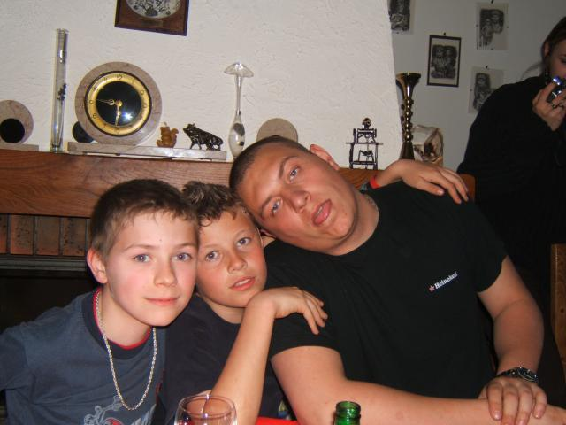 j'aimes ma famille et ma meuf!!