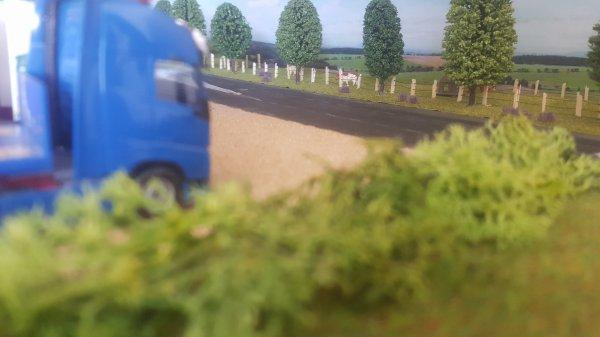 Bonjour à tous, en revenant de vacances je suis passé devant ce relais routier...du monde par ici