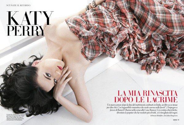 • Katy Perry fait la première page de couverture du magazine italien Gioia du mois de septembre.
