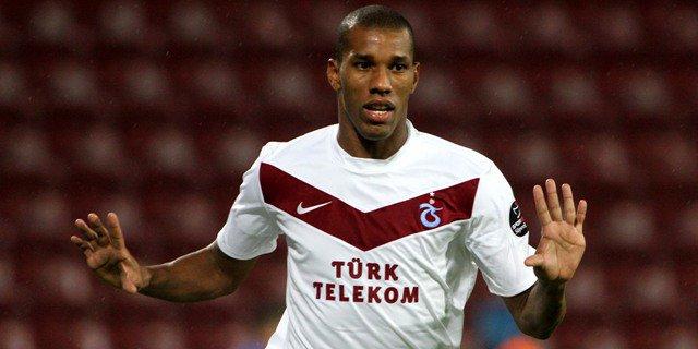 Trabzonspor (TUR) : Emerson libre