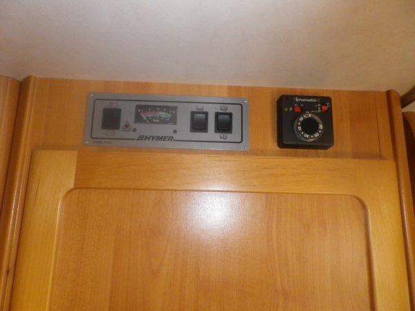 contrôle eau /batteries, thermostat  chauffage / chauffe-eau