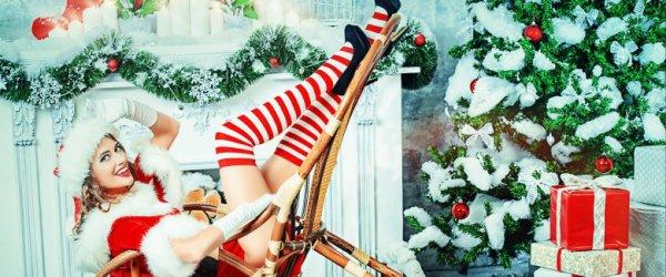 A Natale voglio: gambe sexy, auto sportiva, tanta neve