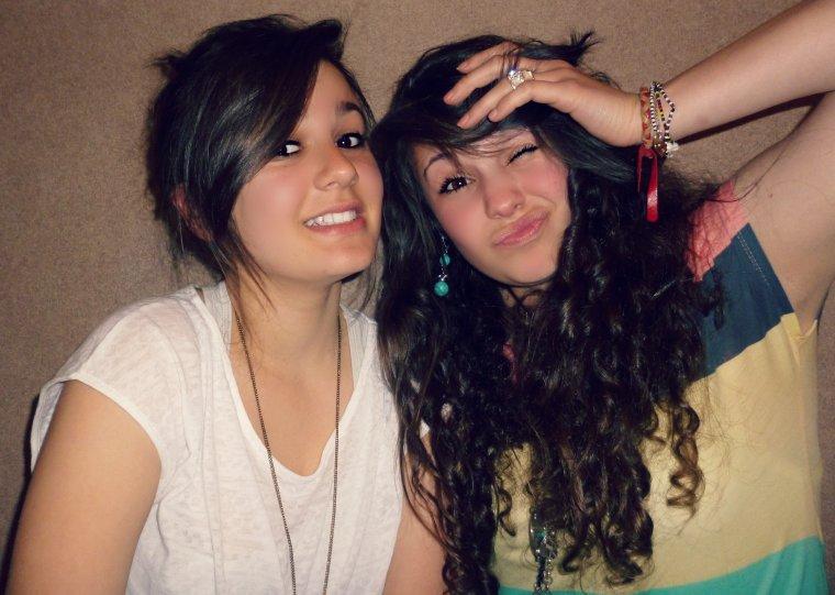 Meilleure amie ce n'est pas un surnom que l'on se donne comme ca, ça signifie une amitié particulièrement parfaite ♥